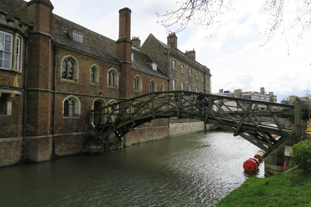 15.Queens College Cambridge