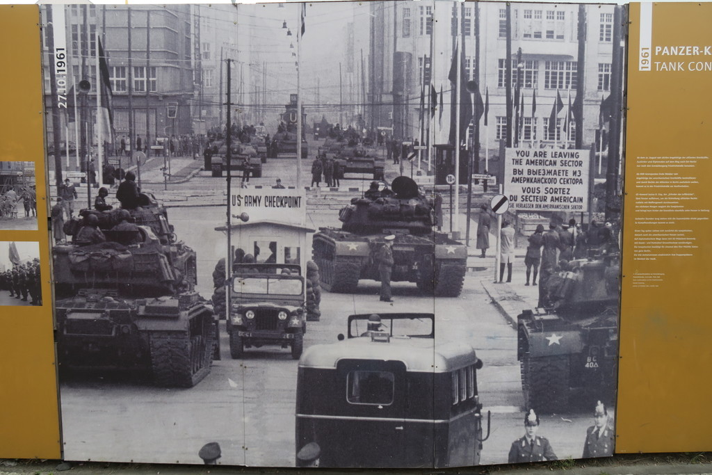 08.Checkpoint Charlie