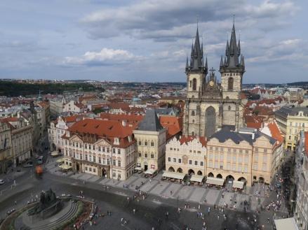Plaza de la ciudad vieja Praga.JPG